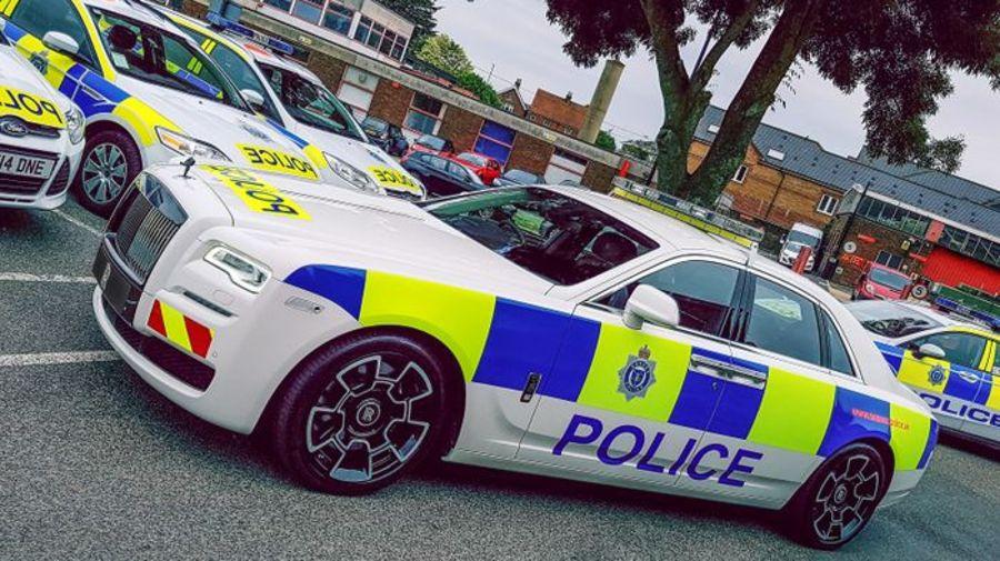 Однодневная люксовая полицейская мечта - Rolls-Royce Ghost Black Badge Police Car