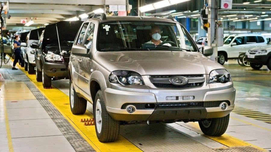 Chevy Niva теперь снова производится под брендом Lada. Но изменения минимальны!
