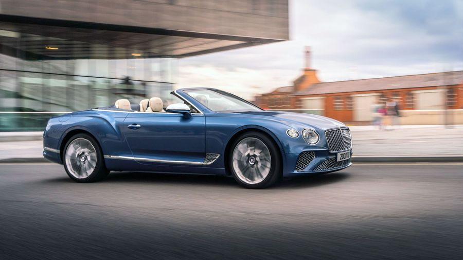 Bentley Continental GTC Mulliner получил ряд роскошных и стильных опций