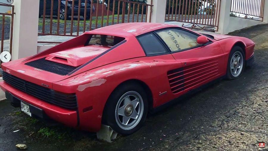 Заброшенный Ferrari Testarossa простоял под пуэрториканским солнцем целых 17 лет