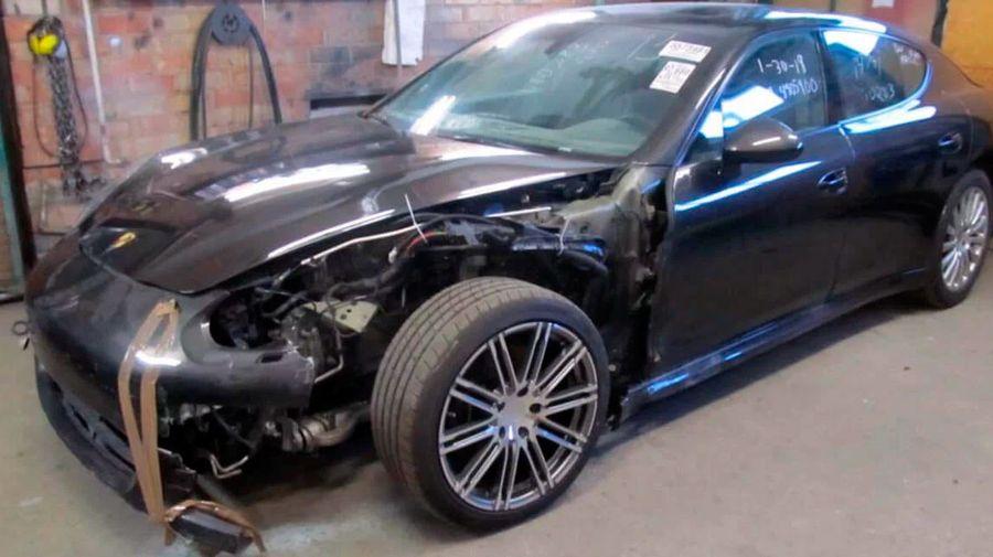 Посмотрите, как талантливый российский механик возвращает к жизни разбитый Porsche Panamera