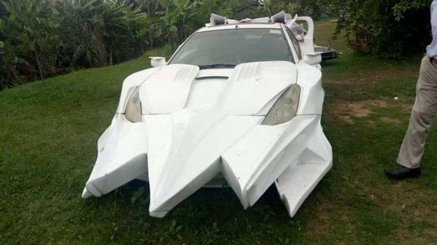 Самый отвратительный в мире тюнинг Toyota Celica сделали в Уганде