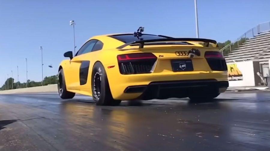 Посмотрите, как 3000-сильный Audi R8 делает вилли во время дрэг-заезда