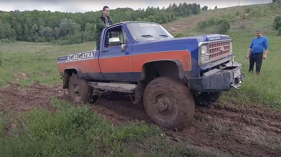 Chevrolet Silverado скрестили с ГАЗ-66, чтобы получить непобедимый вездеход