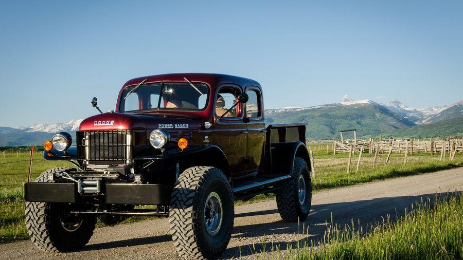 Dodge Power Wagon 1949 года превратили в крутой рестомод за 25 миллионов рублей