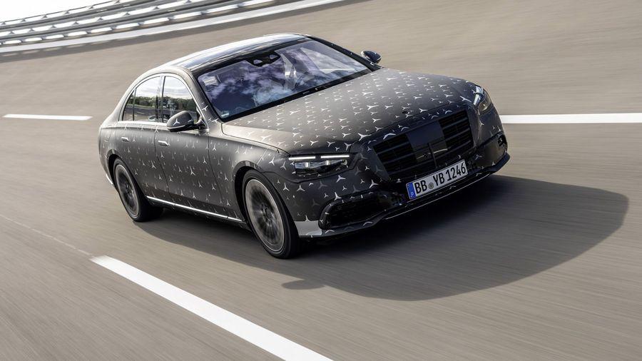 Новое поколение Mercedes-Benz S-класса получит подруливающую заднюю подвеску