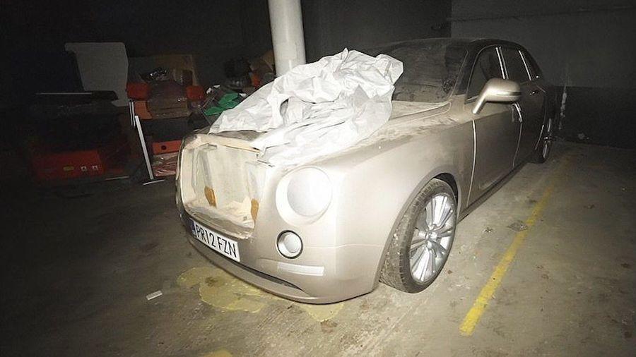 Вот что хранится в цехах обанкротившегося автопроизводителя Bristol Cars