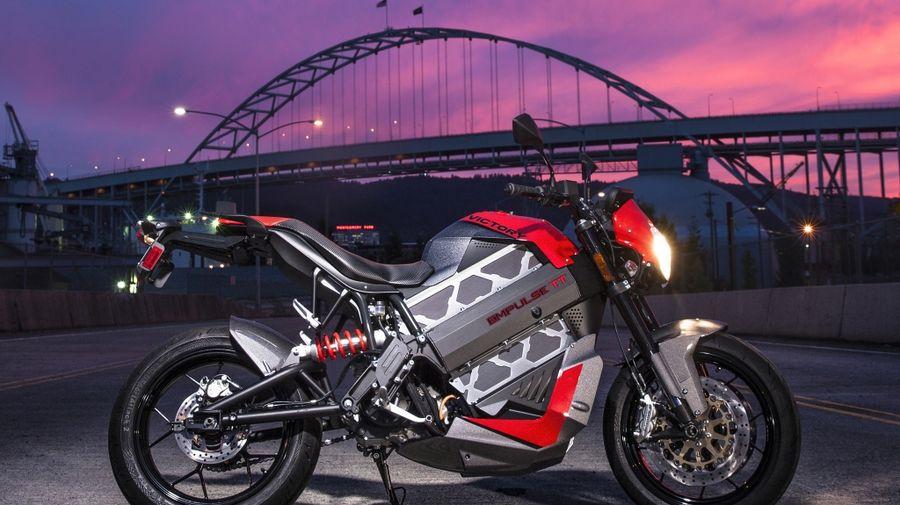 Электрический мотоцикл Brammo стал Victory Empulse TT, который может купить каждый