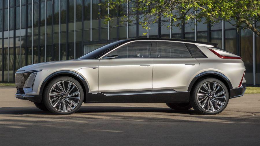 Концептуальный Cadillac Lyriq должен к 2022 году превратиться в первый серийный элекрокроссовер марки