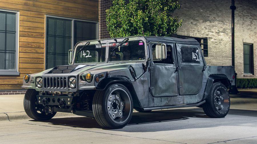 Ателье Mil-Spec Automotive построило заниженный Hummer для трека