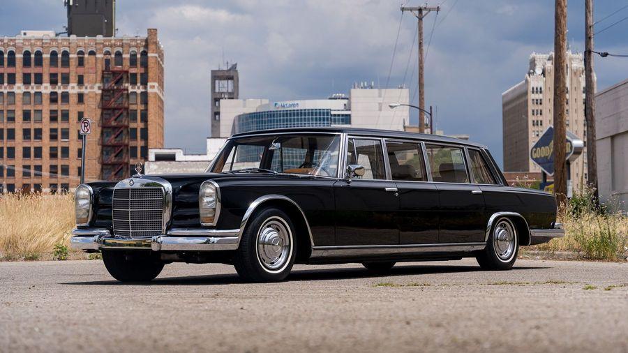 В США продают Mercedes-Benz 600 LWB Pullman, принадлежавший министру иностранных дел Китая