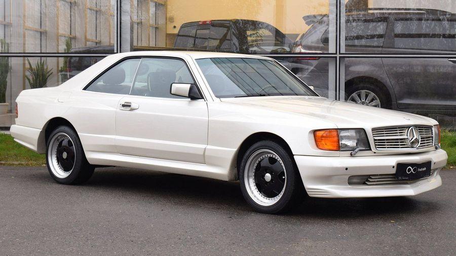 В Москве продают идеальный Mercedes-Benz 560 SEC с редким широким кузовом