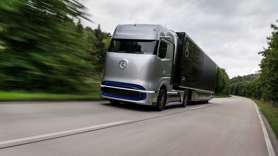 Водородный тягач Mercedes-Benz GenH2 сможет проезжать до 1000 километров