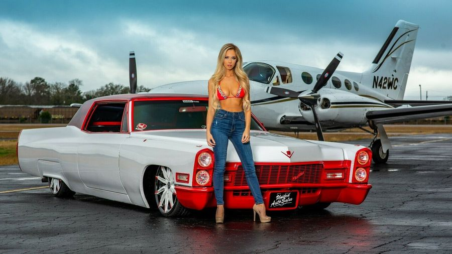 Поможет ли фотомодель продать этот странный лоурайдер Cadillac?