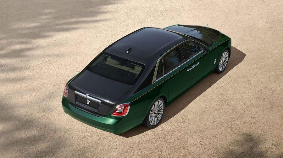 Rolls-Royce показал длиннобазную версию нового Ghost