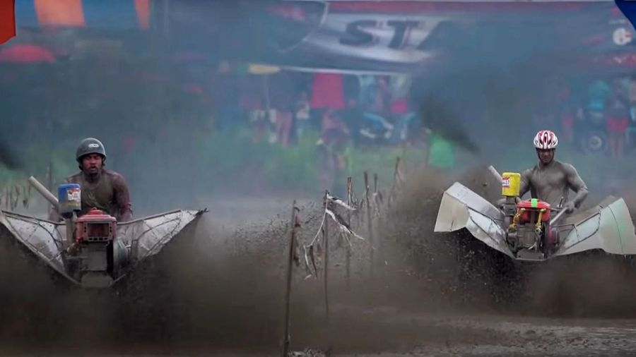 В Тайланде проходят гонки по грязи на очень мощных культиваторах
