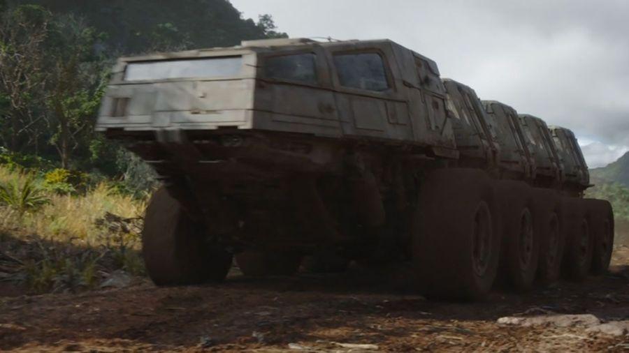 «Джаггернаут» из седьмой серии второго сезона «Мандалорца» — крутой грузовик-гусеница для перевозки райдония