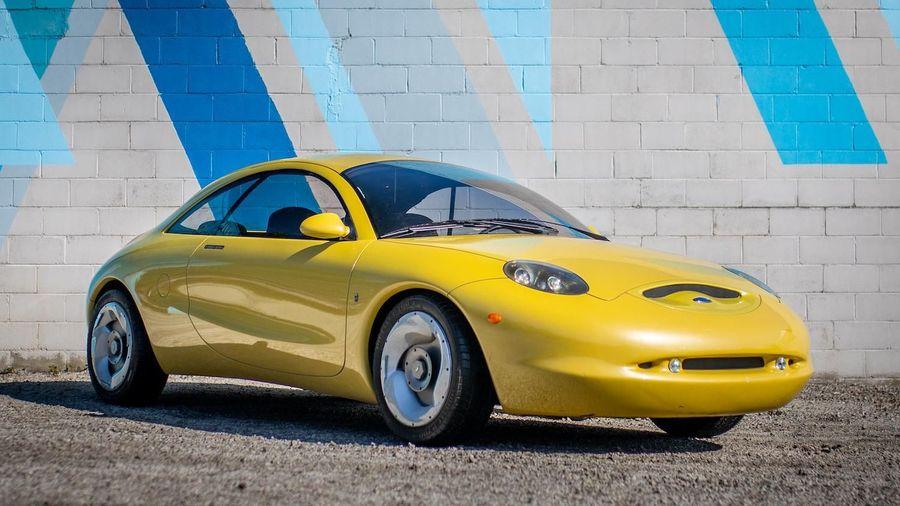 Концепт 1996 Ford Ghia Vivace продают всего за 100 тысяч рублей. Этому есть объяснение!