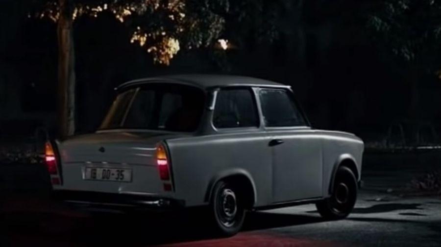 Посмотрите на самую медленную автопогоню из фильма «Агенты А.Н.К.Л.»