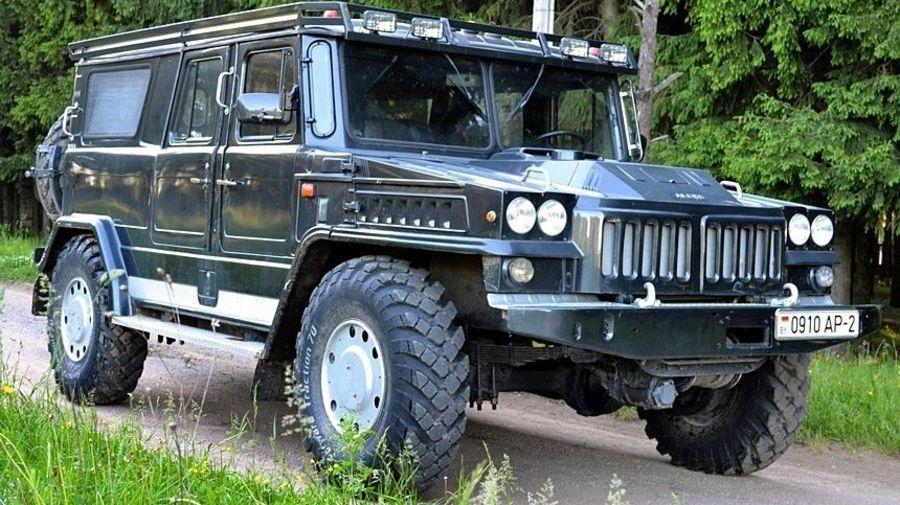 Самоделка «Алекс» — это ГАЗ-66, превращенный в огромный внедорожник