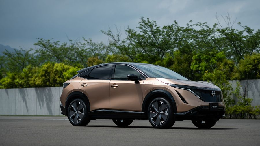 Электрически кроссовер Nissan Ariya получил «космический» интерьер