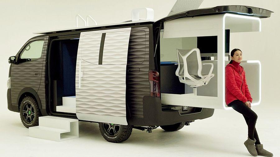 Японцы превратили фургончик Nissan NV350 Caravan в идеальный мобильный офис