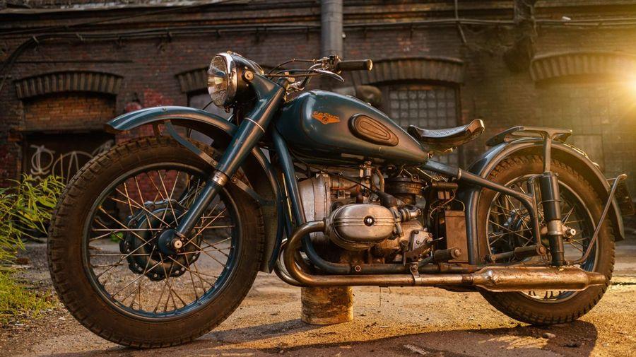 Идеально сохранившийся мотоцикл ИМЗ М-61 продают почти за полмиллиона рублей