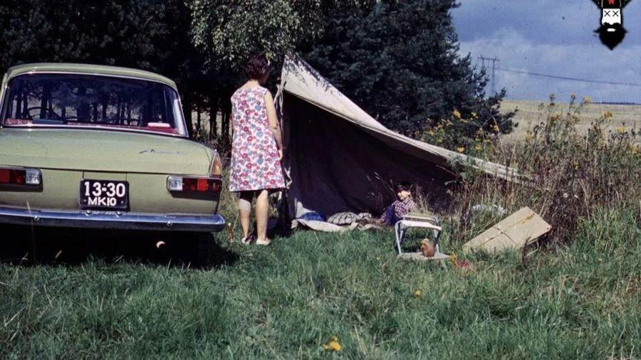 Теплые «ламповые» фотографии времен СССР с советскими автомобилями — 19