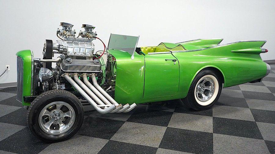 Этот странный хотрод с зеленым лобовым стеклом когда-то был Cadillac 1959 года