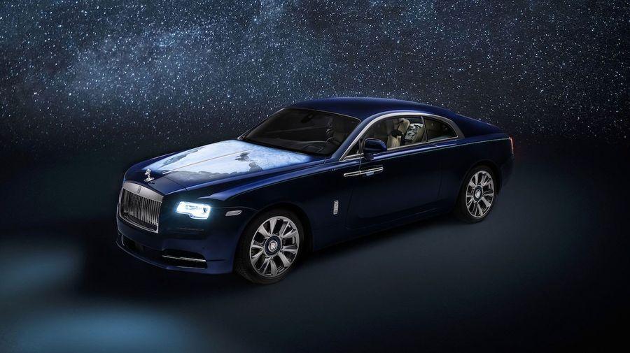 Клиент из ОАЭ заказал Rolls-Royce Wraith с изображениями планеты из космоса