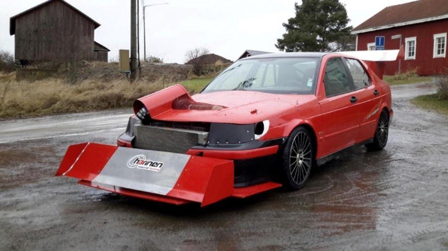 600-сильный Saab, который выглядит как снегоуборочная машина