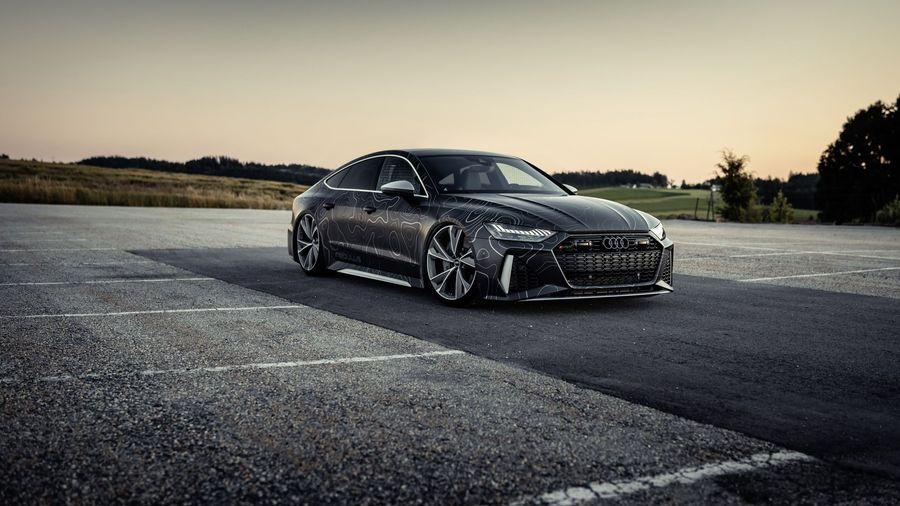 Audi RS7 Sportback форсировали до 955 л.с. и покрыли оригинальной пленкой