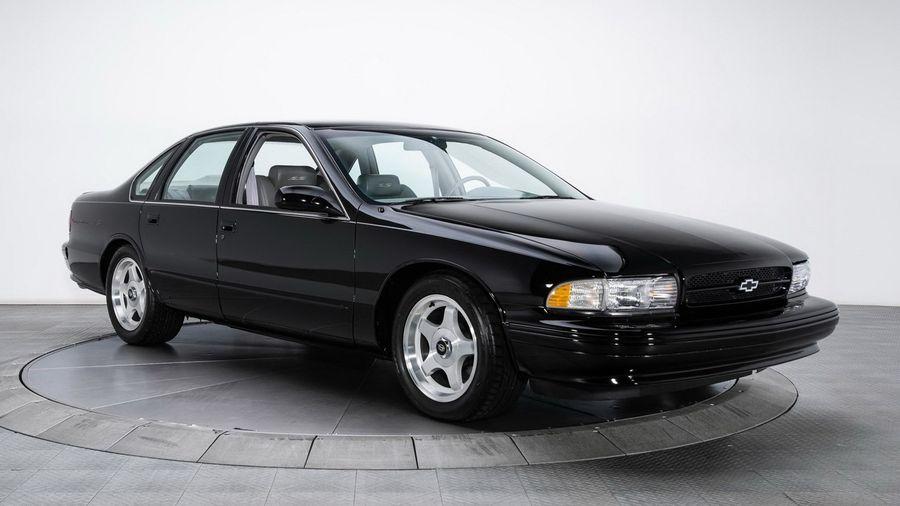Капсула времени: Chevrolet Impala SS 1996 года выпуска с пробегом 3500 км ищет нового хозяина