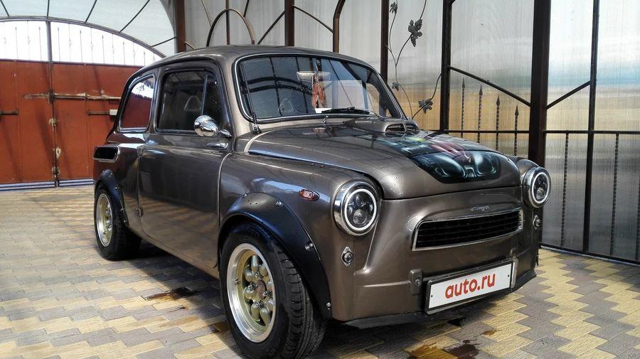 На продажу выставили ЗАЗ-965 «Запорожец» с 1,3-литровым мотором и салоном от Mazda RX-8