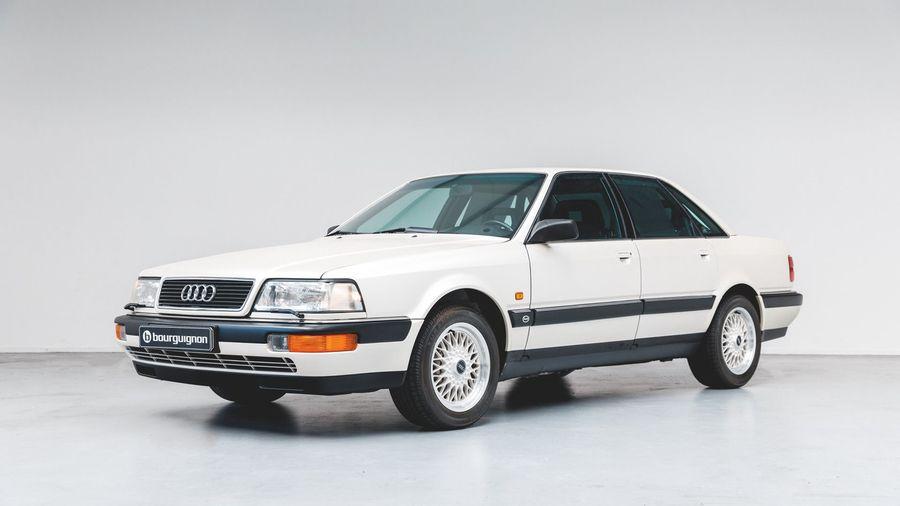 Этот Audi V8 1990 года с пробегом всего 218 километров дороже новенького Audi A8