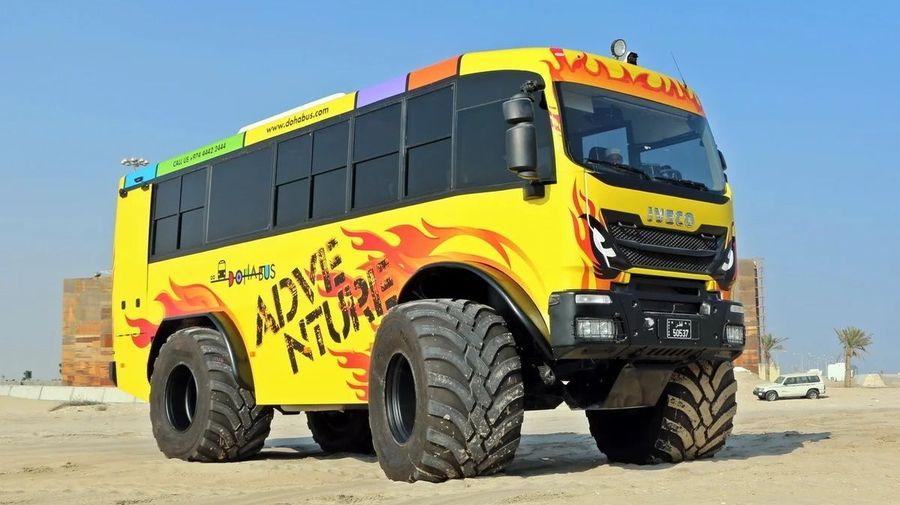 На базе Iveco Trakker 4x4 сделали крутой автобус для покорения пустыни