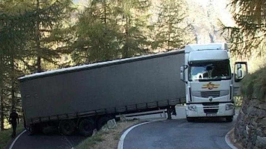 Забавные фото и видео про грузовики и дальнобойщиков — 30