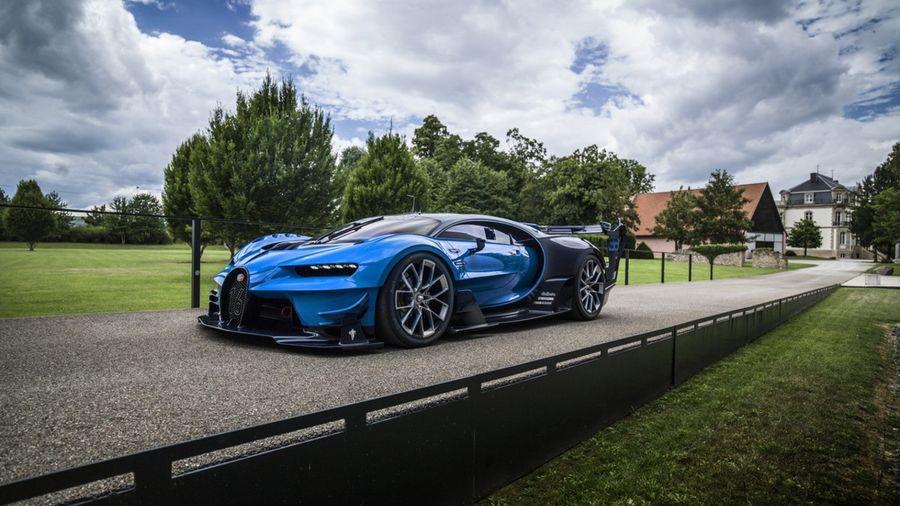 22 самых дорогих автомобилей в мире в 2016/17