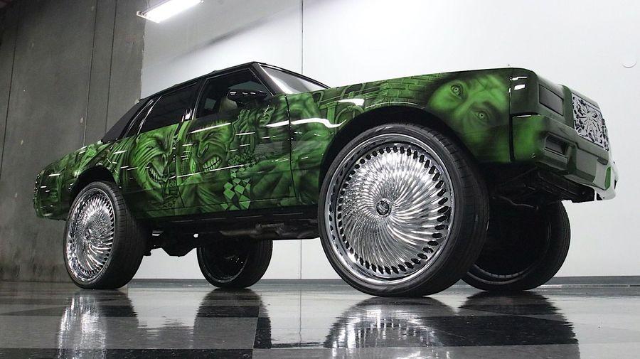 Chevrolet Caprice оснастили 30-дюймовыми колесами и стилизовали под Халка