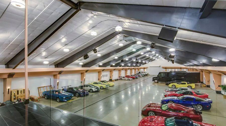 За 20 миллионов долларов вы получите шикарный особняк с гаражом на 100 автомобилей