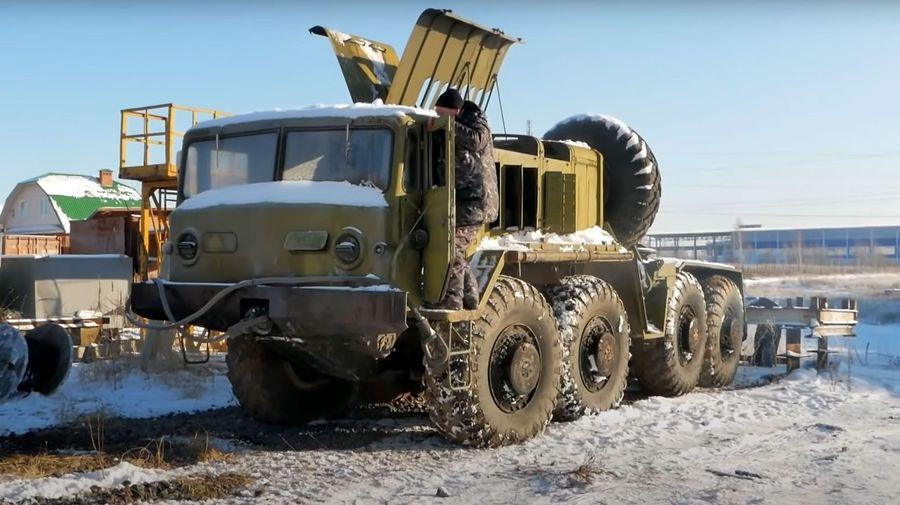 Посмотрите, как старый тягач МАЗ-537 поехал спустя 25 лет простоя