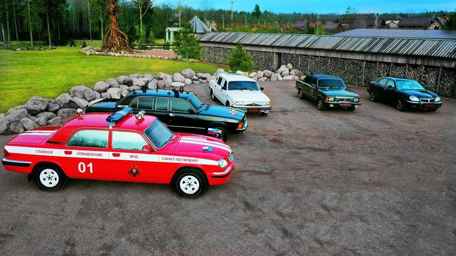 Показана бесценная коллекция восстановленных лимузинов «Волга»