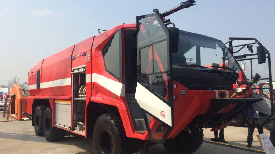 Брянский автозавод показал новый прототип аэродромной пожарной машины с 700-сильным мотором