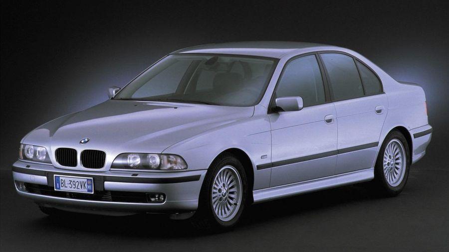 10 masini sub 5000 de Euro extrem de fiabile, pe care merita sa le cumperi second-hand