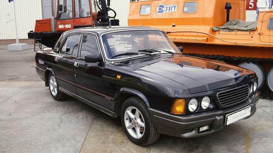 В 90-е годы тюнинг-ателье «ТехноВолга» превращало «Волги» в BMW