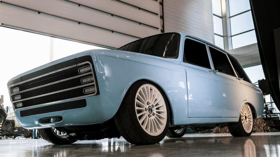 Концерн «Калашников» переоборудовал старый Иж-21251 «Комби» в электромобиль будущего
