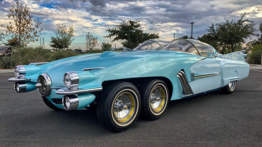 XF58 Ice Princess — необычный симбиоз Cadillac и Studebaker с шестью колесами