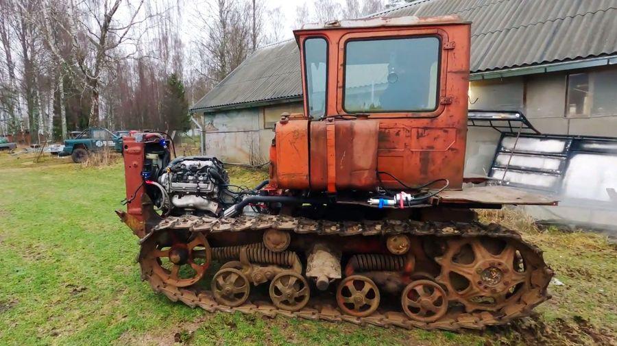 Первый выезд гусеничного трактора ДТ-75 с 300-сильным V8 пошел не по плану