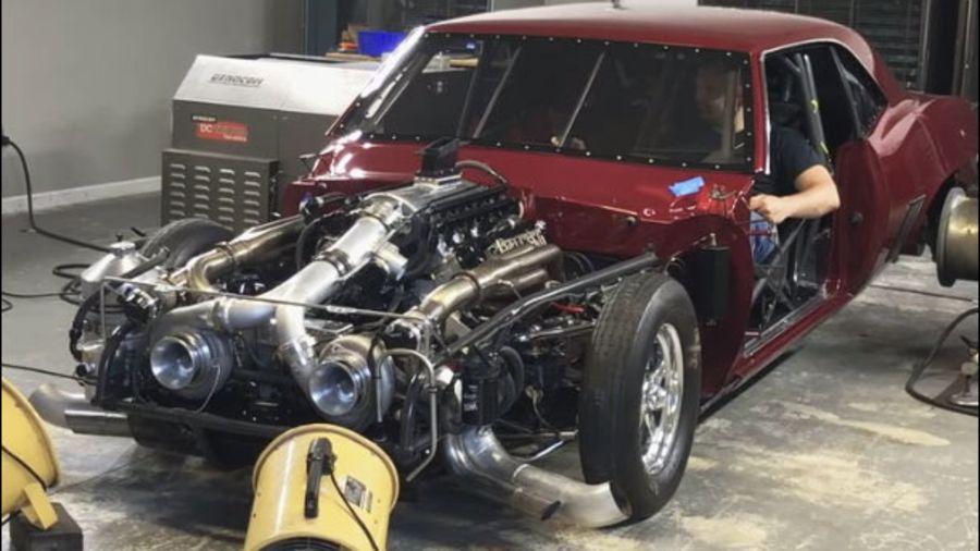 Посмотрите, как 2740-сильный Chevrolet Camaro пытается взлететь во время испытаний на диностенде