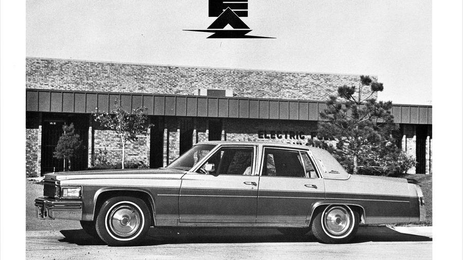 EAC Electric Limousine — попытка американцев превратить Cadillac Brougham в электромобиль